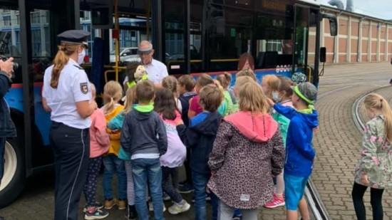 Neuer Bus-Lehrfilm