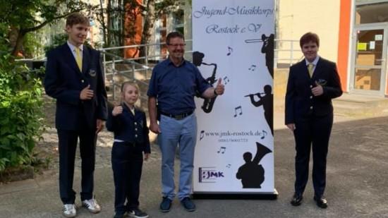 Neue Uniformen für das Jugendmusikkorps Rostock