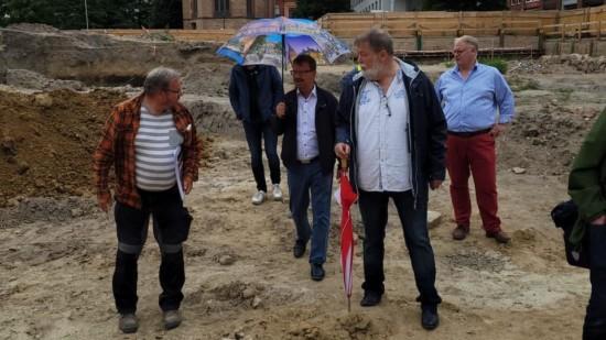 Begehung der Archäologischen Grabung auf dem Baufeld Rungestraße